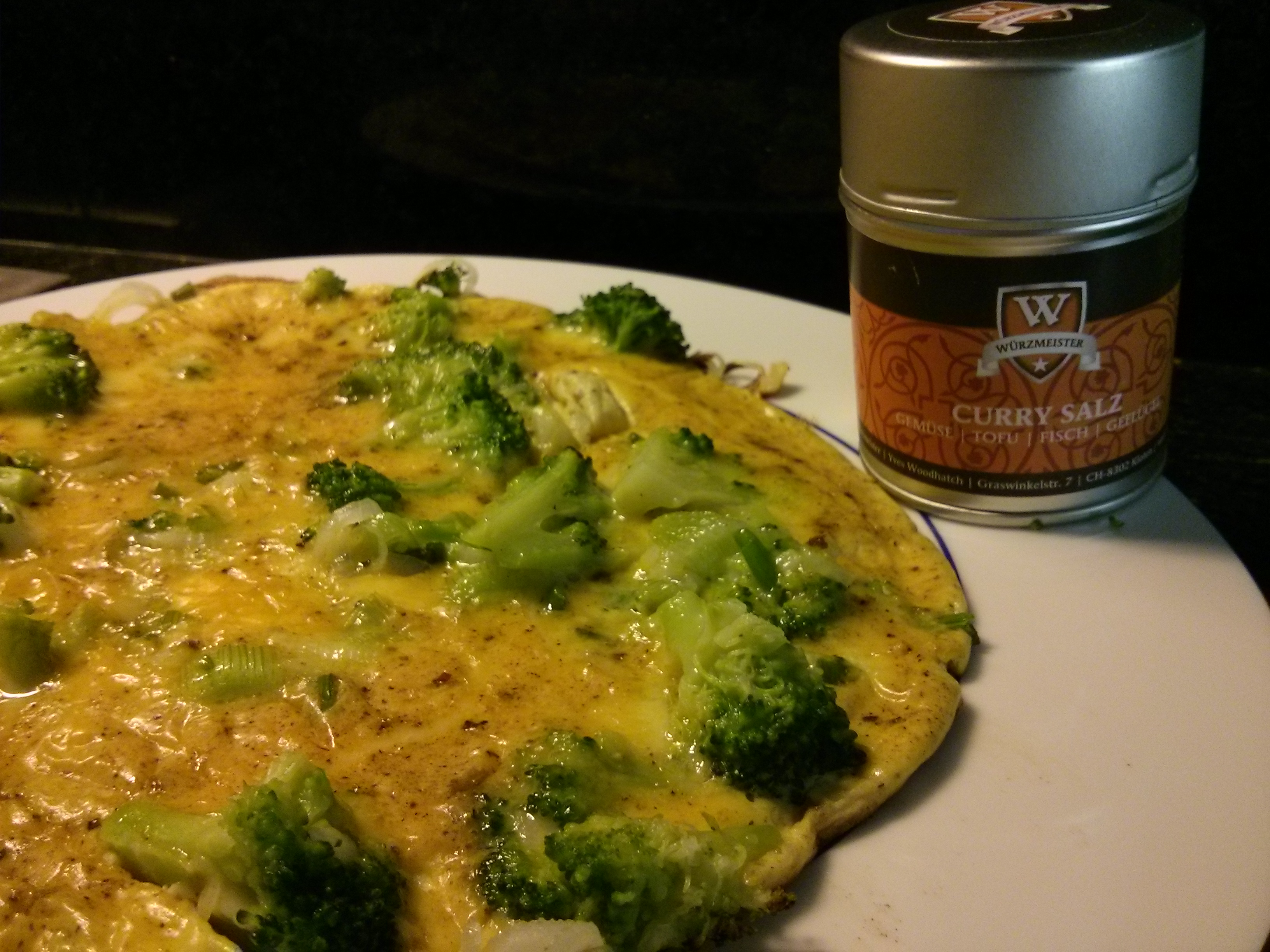 Bild zum Rezept Blumenkohl-Curry-Omelette mit der Gewürzmischung Curry Salz gewürzt.