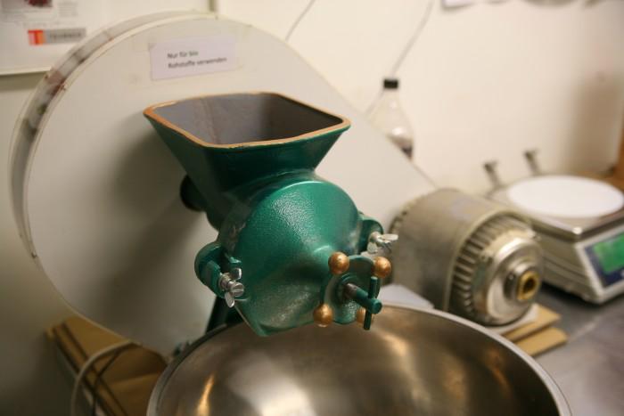 Bild zum Beitrag Würzmeister gewinnt den Jungunternehmerpreis Kloten 2014. Gewürz Mühle.